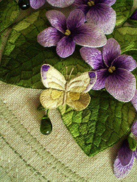 Фрагмент сумочки Фиалки и бабочка
